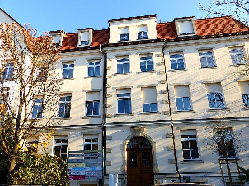 Eingang der Logopädie in der Ludwig-Hartmann-Straße 45 01277 Dresden